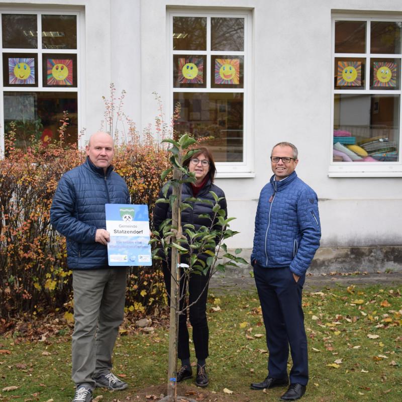 Apfelbaumpflanzung in Statzendorf